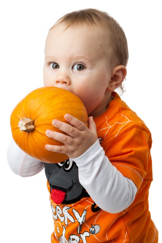 boy_and_pumpkin_209550