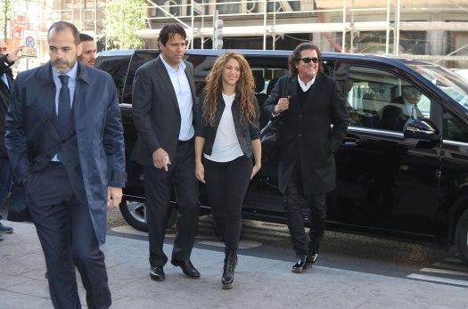 Shakira-and-Carlos-Vives-march-2019-madrid-billboard-1548
